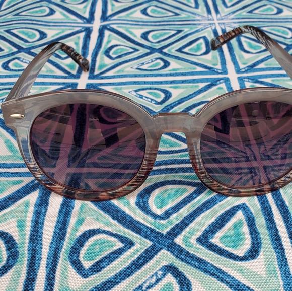 Free People FP Womens Sunglasses.